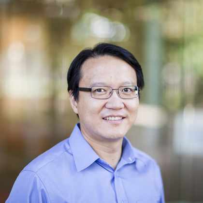 AIBN Professor Chengzhong (Michael) Yu has been recognised with the 2015 Le Févre Memorial Prize