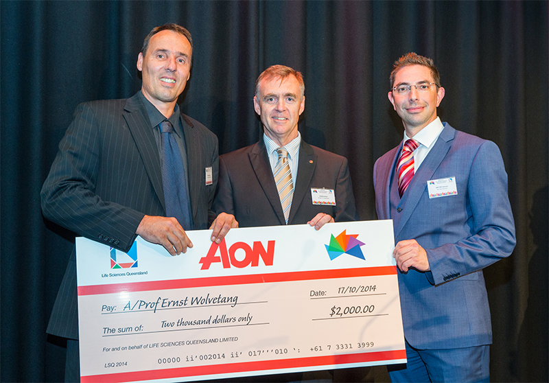 AIBN Ernst Wolvetang receiving his Aon Risk Solutions Regenerative Medicine Award - Shaun Murray Photography