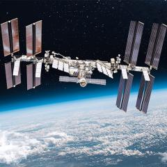 The International Space Station (ISS) is hosting experiments with an antimicrobial surface developed at AIBN.